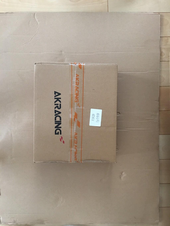 AKRACINGゲーミングチェアPRO-X-BLUEの箱の中に入っていた小さい箱