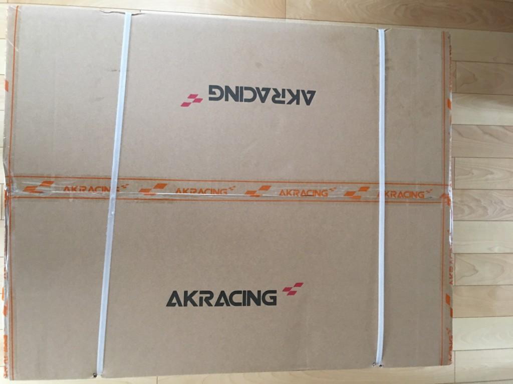 AKRACINGゲーミングチェアPRO-X-BLUEの箱は重さが約27㎏で縦71cm、横89.5cm、高さ42cmと大きい