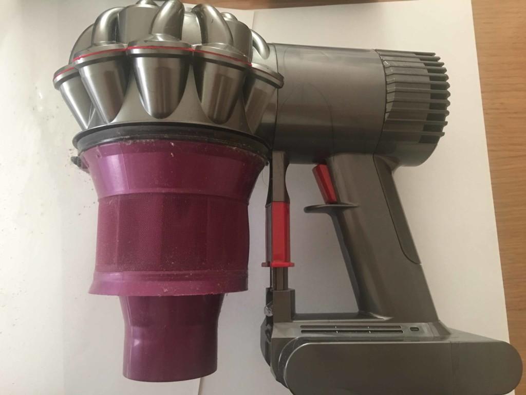 ダイソン(dyson) ハンディ掃除機のクリアビンを取り外した状態