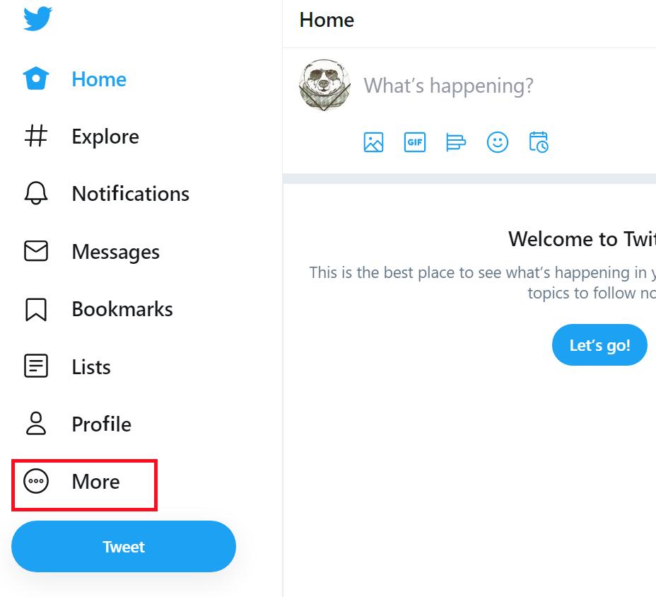 Twitterのホーム画面の左側のメニューの一覧の下の方にある「More」をクリックする