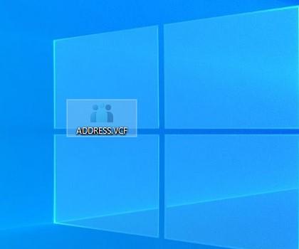 ADDRESS.VCFというファイルがありますので、このファイルをPCのどこでも良いのでコピーしておきます。